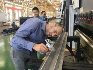 伊朗客戶試驗機在我們工廠2