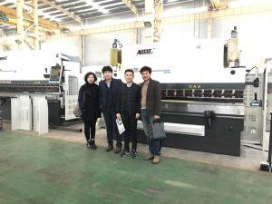 韓國客戶參觀我們的工廠