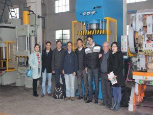 秘魯代表團來參觀我們的工廠和購買機器