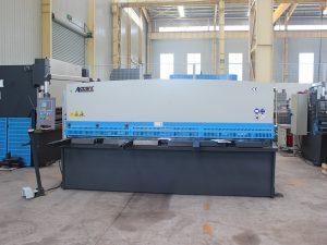 高精度QC11y-16 * 6000液壓剪切機斷頭台式